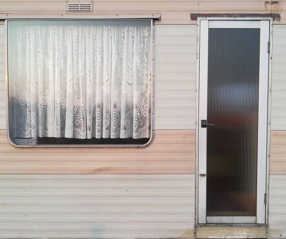 Budapest: mobile homes under construction (photos)
